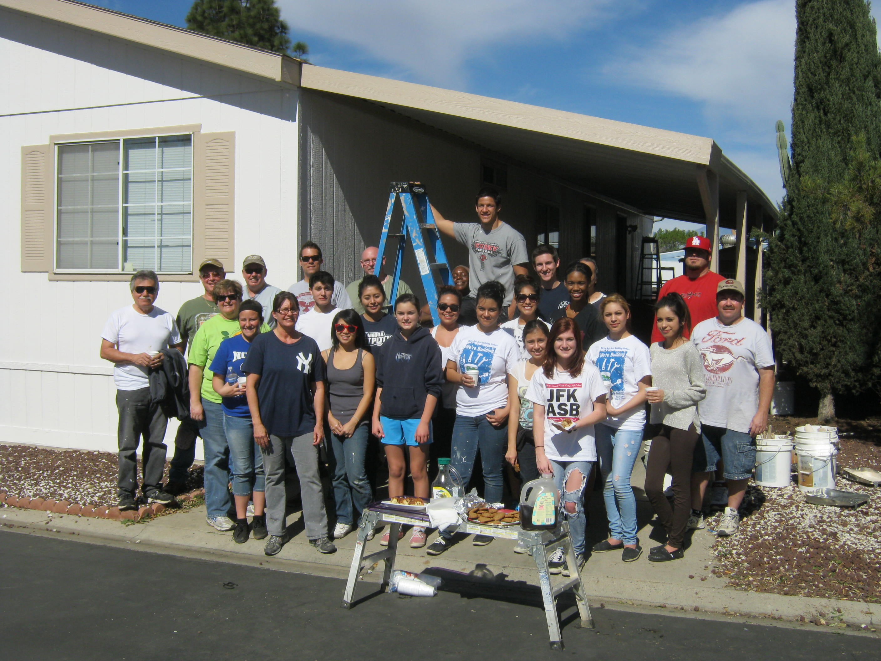 New Beginnings Community Church and Interact Club from Ramona High School, Corona, A Brush with Kindness, Volunteer