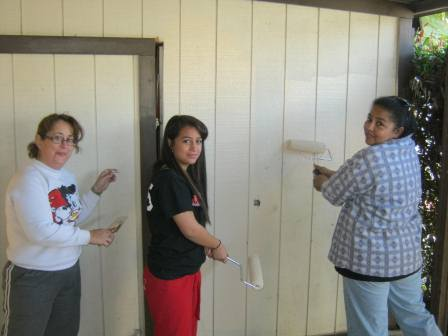 Pick Group & HFH Families, Corona Palms, A Brush with Kindness, Volunteer