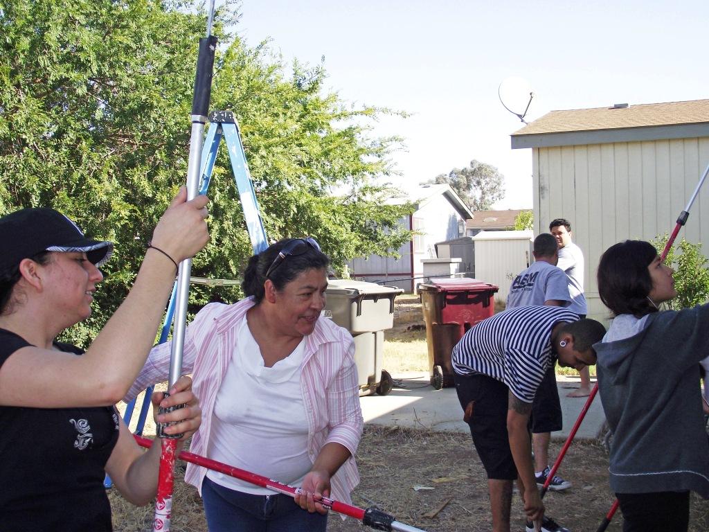 7/19/12: Fresh and Easy Volunteers