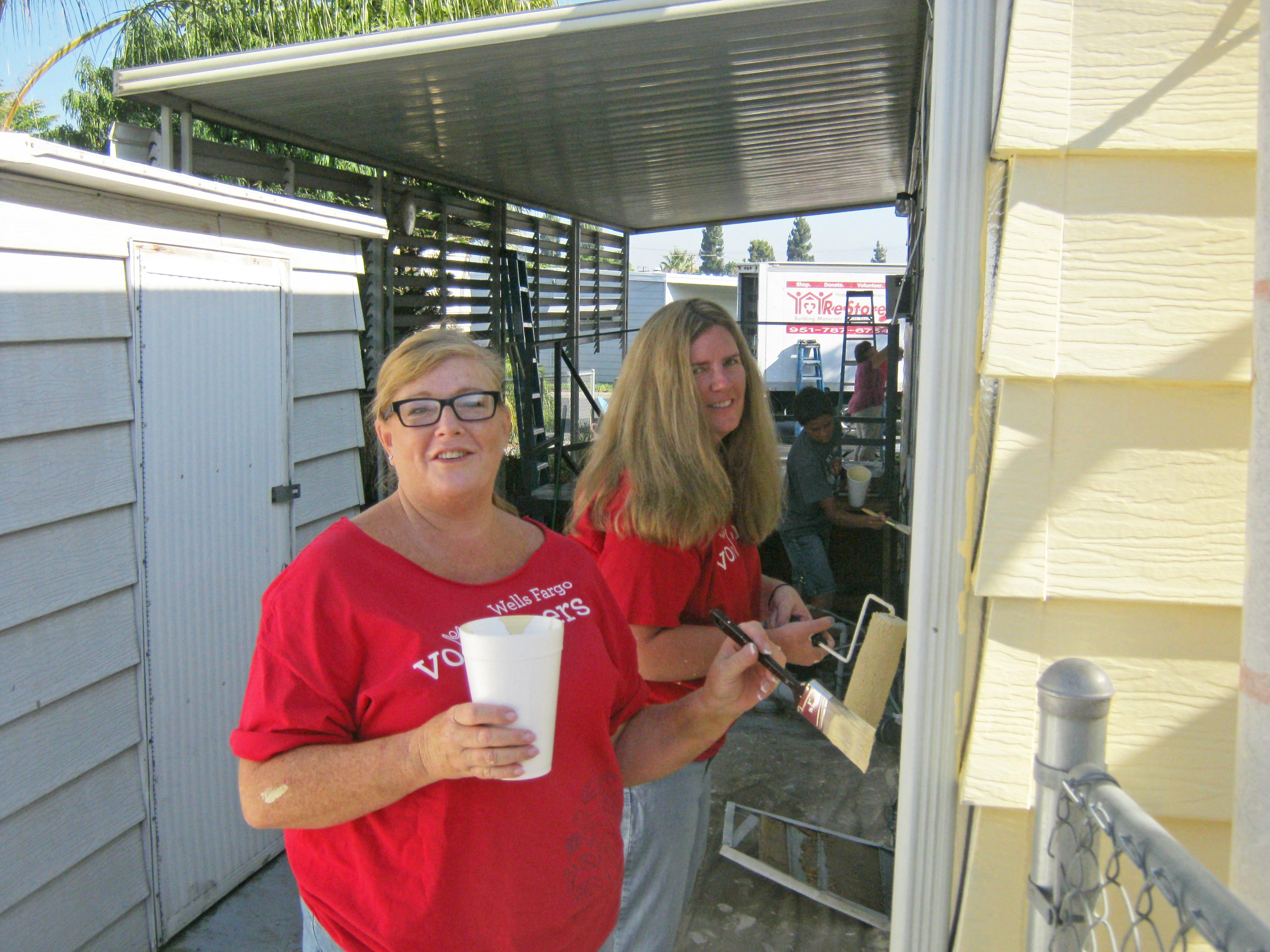 7/24/12: Wells Fargo Volunteers