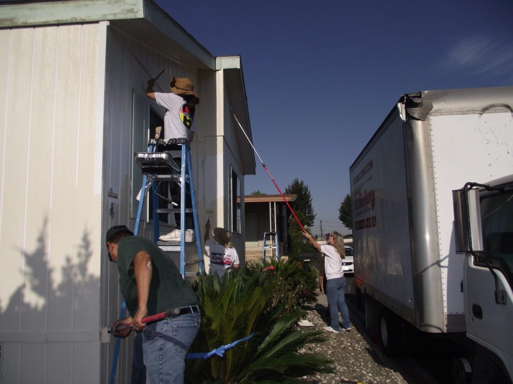 8-27-2011: City of Corona & Habitat Volunteers01