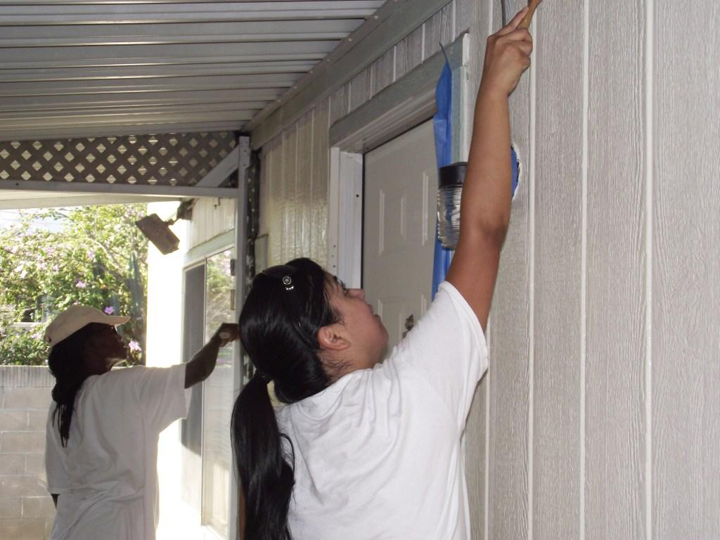 8-27-2011: City of Corona & Habitat Volunteers02