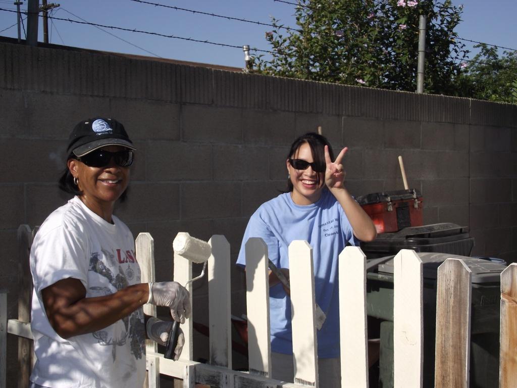 8-27-2011: City of Corona & Habitat Volunteers03