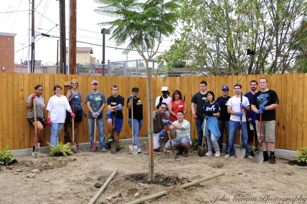 9-10-11: Lutherans, Sempra Energy & Habitat Volunteers Group Shot