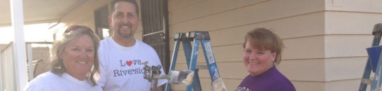 Riverside City Staff Volunteer to Paint a Home